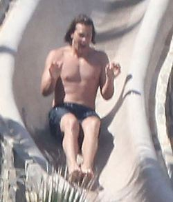 Tom-Brady-waterslide