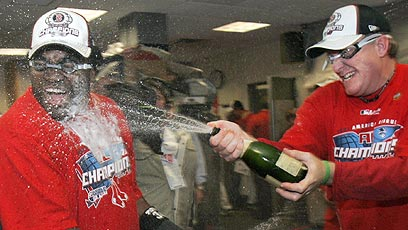 Schilling nails Papi with champagne