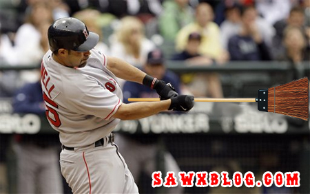 Iron Mike Lowell's clutch hit helped the Sox sweep the M's